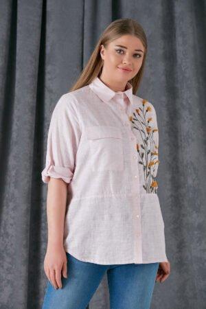 rozines spalvos marškiniai su gėlėmis