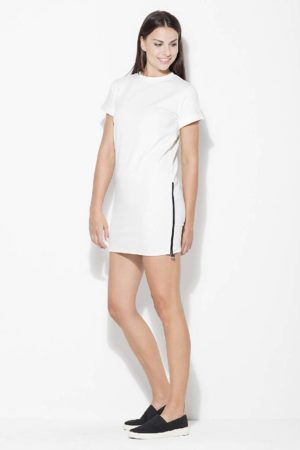 Trumpa pieno baltumo suknelė